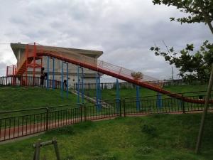 伊波公園巨大滑り台