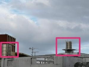 屋根の上に設置されているタンクが語る、沖縄の水不足と断水の歴史とは?_実際に設置された屋根の上のタンク