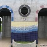 【2021年】連結型の巨大遊具が楽しすぎる!沖縄市の黒潮公園は広場と巨大遊具が魅力的な公園です!_トイレ正面