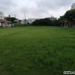 【2021年】連結型の巨大遊具が楽しすぎる!沖縄市の黒潮公園は広場と巨大遊具が魅力的な公園です!_広場