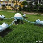 【2021年】連結型の巨大遊具が楽しすぎる!沖縄市の黒潮公園は広場と巨大遊具が魅力的な公園です!_4人用シーソー
