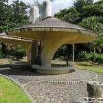 【2021年】遊具が密集+目立つすべり台が特徴!沖縄市の八重島公園に遊びに行ってみよう!Aエリア_休憩所