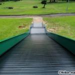 【2021年】遊具が密集+目立つすべり台が特徴!沖縄市の八重島公園に遊びに行ってみよう!Aエリア_大型滑り台3