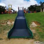 【2021年】遊具が密集+目立つすべり台が特徴!沖縄市の八重島公園に遊びに行ってみよう!Aエリア_大型滑り台4
