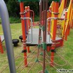 【2021年】遊具が密集+目立つすべり台が特徴!沖縄市の八重島公園に遊びに行ってみよう!Aエリア_連結型巨大遊具3
