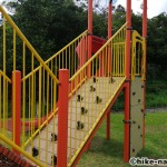 【2021年】遊具が密集+目立つすべり台が特徴!沖縄市の八重島公園に遊びに行ってみよう!Aエリア_連結型巨大遊具5