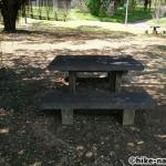 【2021年】遊具が密集+目立つすべり台が特徴!沖縄市の八重島公園に遊びに行ってみよう!Bエリア_休憩所2