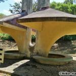 【2021年】遊具が密集+目立つすべり台が特徴!沖縄市の八重島公園に遊びに行ってみよう!Bエリア_休憩所4