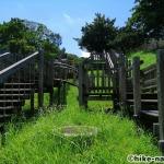 【2021年】遊具が密集+目立つすべり台が特徴!沖縄市の八重島公園に遊びに行ってみよう!Bエリア_巨大滑り台6