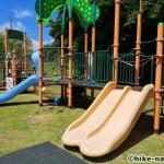 【2021年】遊具が密集+目立つすべり台が特徴!沖縄市の八重島公園に遊びに行ってみよう!Bエリア_連結遊具2