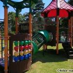 【2021年】遊具が密集+目立つすべり台が特徴!沖縄市の八重島公園に遊びに行ってみよう!Bエリア_連結遊具4
