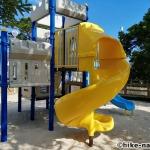 【2021年】パンダの絵が書かれているコンクリート巨大滑り台が特徴!うるま市の宇堅児童公園に遊びに行ってみた!_小さい子が遊べるアトラクション型遊具