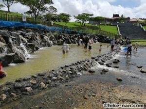 うるま市の倉敷ダム「やんばるの森(ヤンバルムイ)」水遊び体験をご紹介します!_こんな感じで溜池になっています