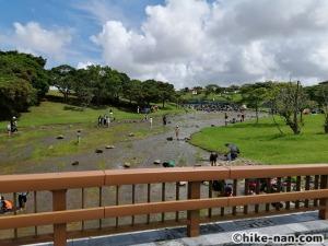 うるま市の倉敷ダム「やんばるの森(ヤンバルムイ)」水遊び体験をご紹介します!_橋の上から撮ってみました
