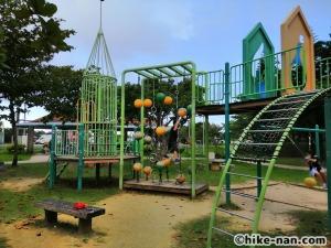 【2021年】言うことなしの大型公園!沖縄市の沖縄県総合運動公園内にある大型遊具施設に遊びに行ってみた!_アトラクション遊具12