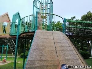 【2021年】言うことなしの大型公園!沖縄市の沖縄県総合運動公園内にある大型遊具施設に遊びに行ってみた!_アトラクション遊具16