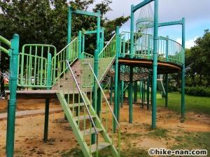 【2021年】言うことなしの大型公園!沖縄市の沖縄県総合運動公園内にある大型遊具施設に遊びに行ってみた!_アトラクション遊具3