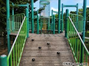 【2021年】言うことなしの大型公園!沖縄市の沖縄県総合運動公園内にある大型遊具施設に遊びに行ってみた!_アトラクション遊具5