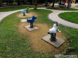 【2021年】言うことなしの大型公園!沖縄市の沖縄県総合運動公園内にある大型遊具施設に遊びに行ってみた!_スプリング遊具
