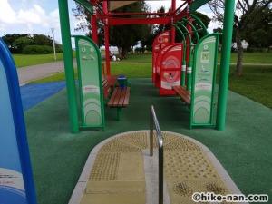 【2021年】言うことなしの大型公園!沖縄市の沖縄県総合運動公園内にある大型遊具施設に遊びに行ってみた!_健康施設2