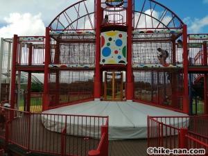 【2021年】言うことなしの大型公園!沖縄市の沖縄県総合運動公園内にある大型遊具施設に遊びに行ってみた!_大型遊具トランポリン3