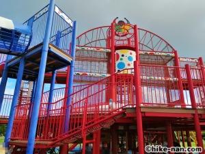 【2021年】言うことなしの大型公園!沖縄市の沖縄県総合運動公園内にある大型遊具施設に遊びに行ってみた!_大型遊具外観5