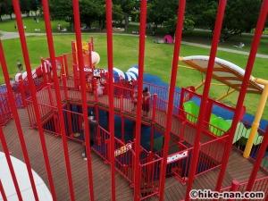 【2021年】言うことなしの大型公園!沖縄市の沖縄県総合運動公園内にある大型遊具施設に遊びに行ってみた!_大型遊具_内部2